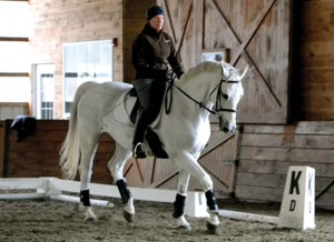 laura-riding2_03